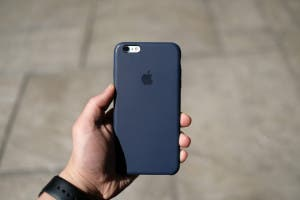 san francisco cf6a6 f079d Review: Apple's Silicone Case in Midnight Blue | iPad Insight