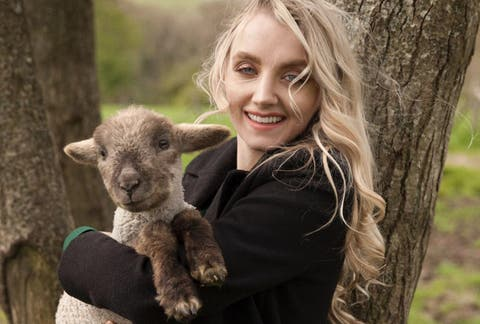 harry potter star evanna lynch tackles veganism and eating